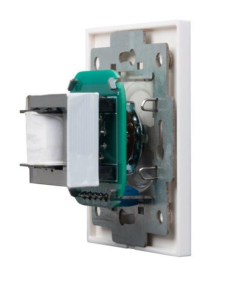 Atenuador de 30 W máximo para línea 100 V. Entrada de 2 hilos y sistemas con prioridad de 3 y 4 hilos